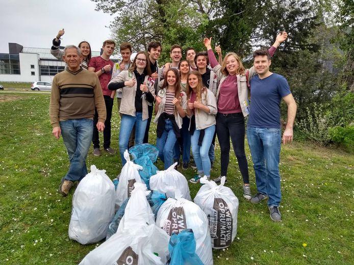 Ook jeugdverenigingen mogen deelnemen aan de grote lenteschoonmaak.