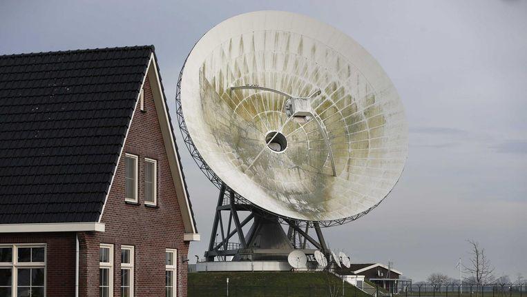 Schotel in Burum, Friesland, bedoeld voor het opvangen van al het langskomend satellietverkeer Beeld anp