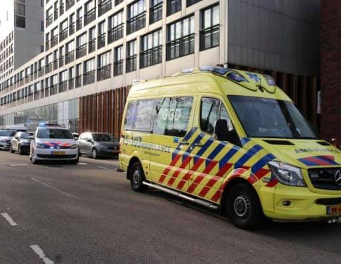 Het kindje werd aangereden en moest vervolgens naar het ziekenhuis worden gebracht.