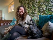 Nest van processierups werd hondje Tara in Enschede bijna fataal