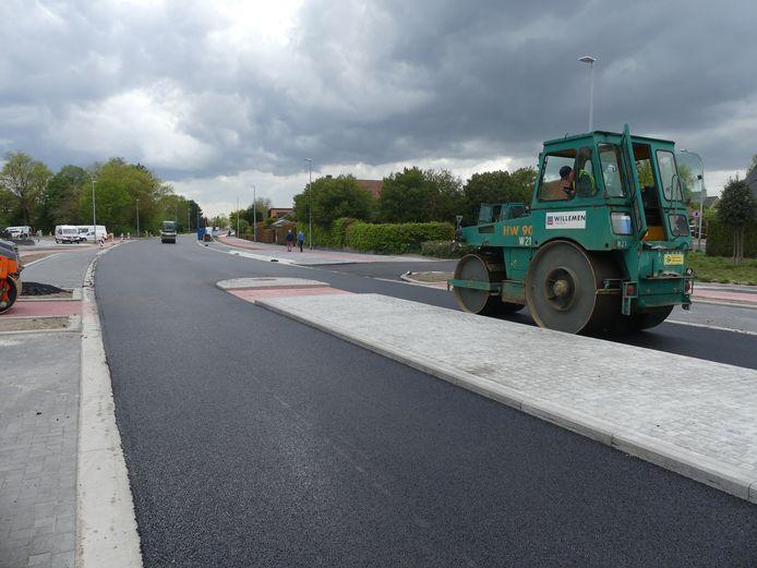 De Leernsesteenweg is bijna terug open voor alle verkeer.