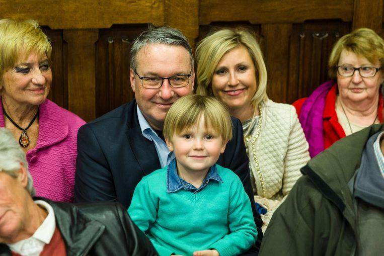 Zoontje Arthaud (5) zat op de publiekstribune om te supporteren voor zijn papa.
