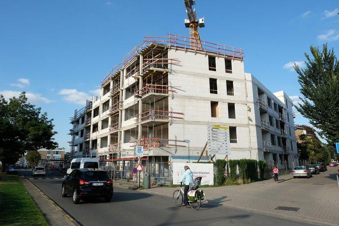 Archiefbeeld uit 2018: woonhaven bouwt moderne sociale wooneenheden in Deurne.