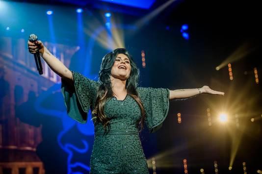 Roxeanne tijdens Holland zingt Hazes in de Ziggo Dome.