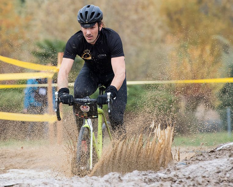 Fabian Cancellara werkte vorige week de Red Bull Velodux Cyclocross af in het Zwitsere Estavayer-le-Lac.