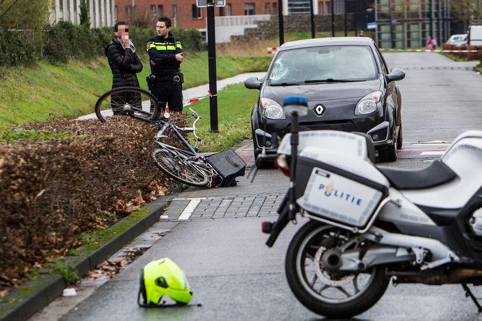Op deze plek werd de fietser aangereden.