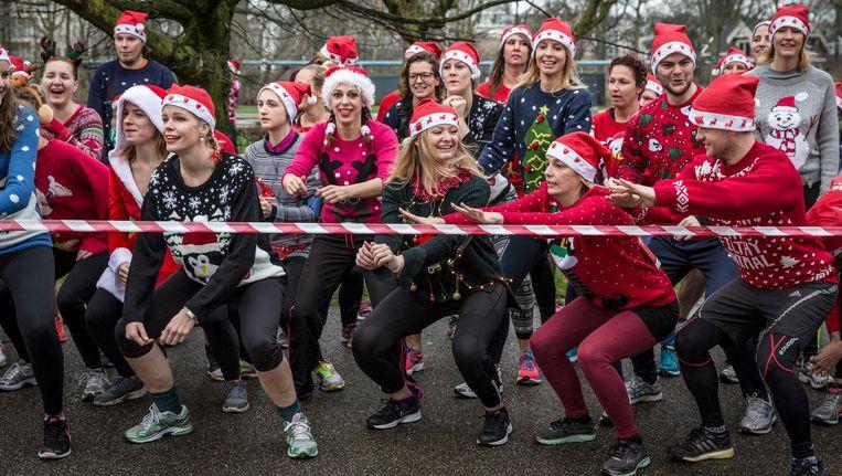 Lelijke Kersttrui.Hardlopen In Je Mooiste Lelijke Kersttrui In Het Vondelpark Het Parool