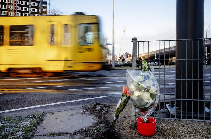 Bij het schietincident in de tram kwamen drie mensen om. Ook vielen er gewonden.