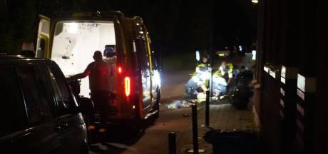 Zwaargewonde bij aanrijding in Boskoop, automobilist rijdt door