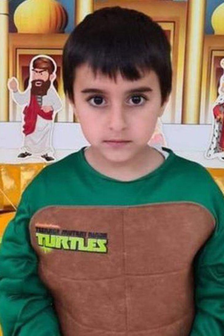 Het Joodse jongetje Ido Avigal zat in een schuilkamer in bij zijn tante in Sderot, maar werd toch door granaatscherven getroffen. Beeld NYT