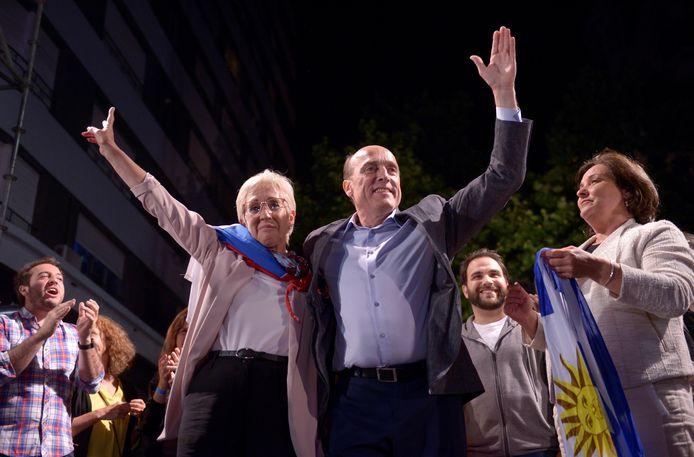 Daniel Martinez en zijn running mate Graciela Villar in Montevideo.