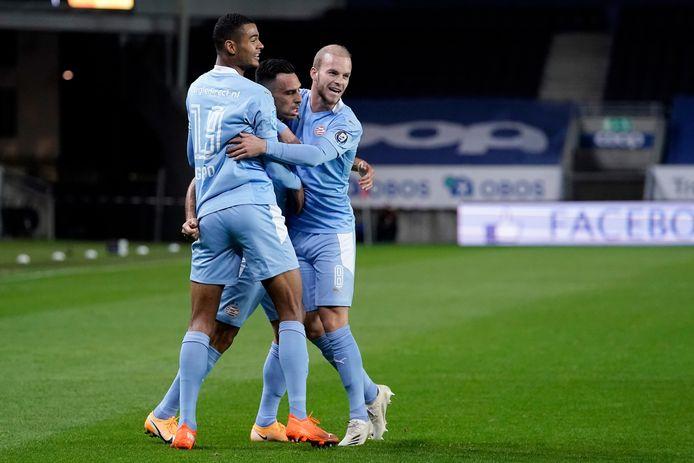 PSV viert de eerste goal.