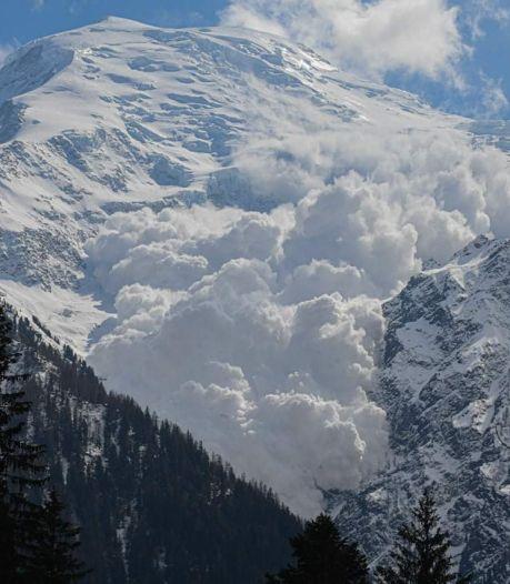 Une impressionnante avalanche près de Chamonix