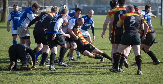 De rugbyers van de Zevenaarse Duuvels wonnen ruim van The Pigs. Archieffoto Bart Harmsen.