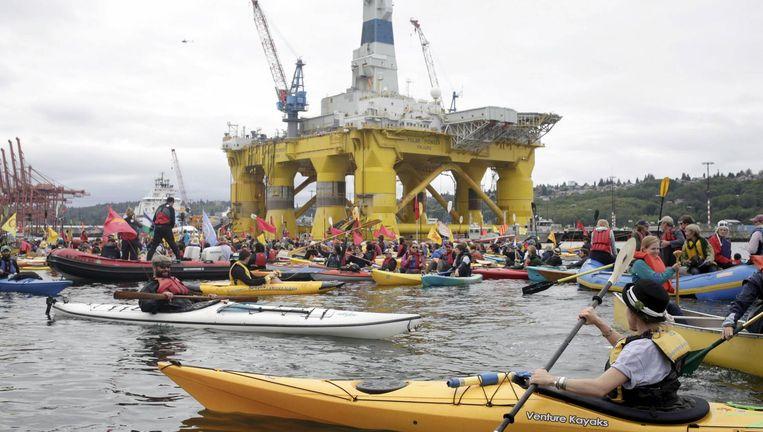 Activisten protesteren tegen Shell in Seattle. Beeld reuters