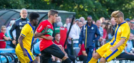 NEC-talent krijgt de kans niet Sneijder de hand te drukken