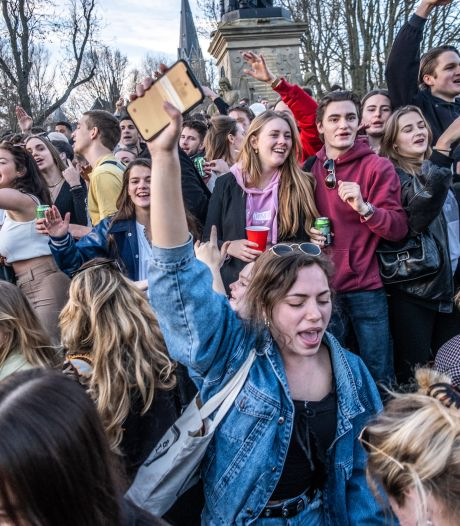 Opinie: 'Feesten in Vondelpark is dapper protest'