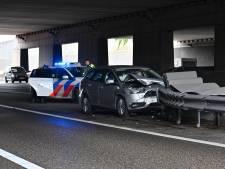 Ongeluk met auto op A16 bij Breda, meerdere weggebruikers bekeurd na negeren rood kruis