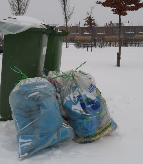 Afval kan vast vriezen aan je gft-bak: die wordt dus  nog niet geleegd