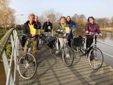 Met handen aan stuur in Wierden en Enter langs cultuur en natuur
