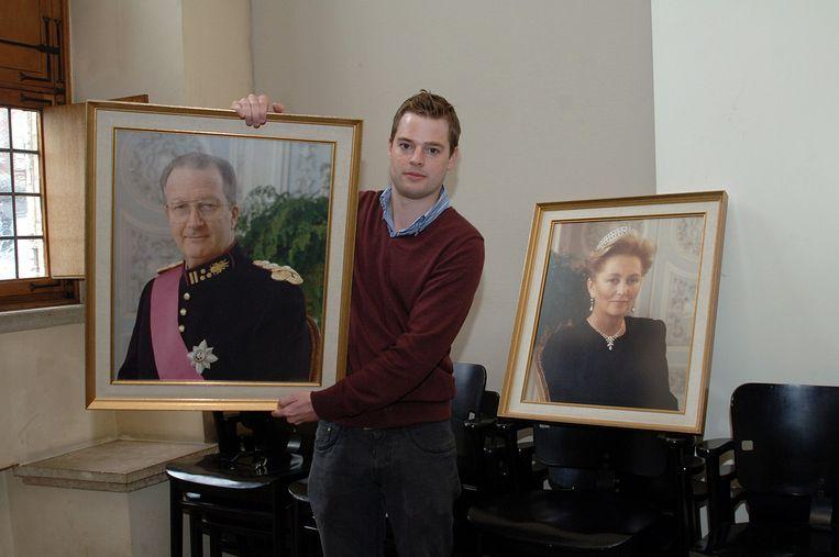 Steve Vanneste stelde eerder voor om de portretten van het koningspaar in het gemeentehuis niet te vervangen.