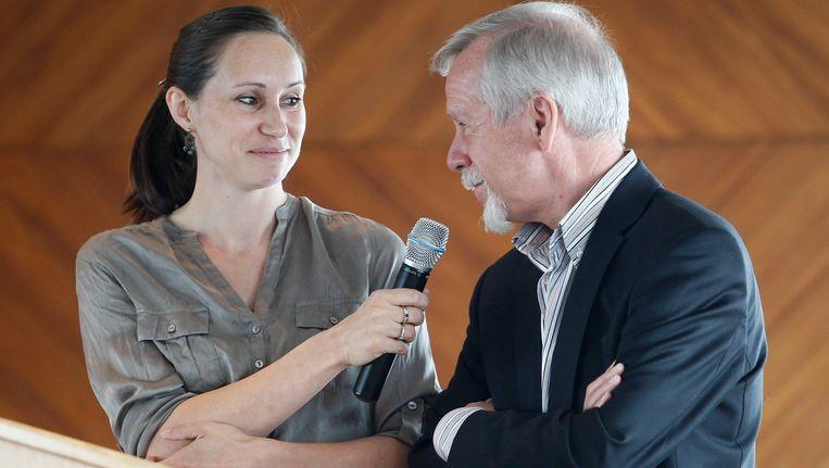 Kim Gevaert interviewt Memorial-organisator Wilfried Meert. Beeld BELGA