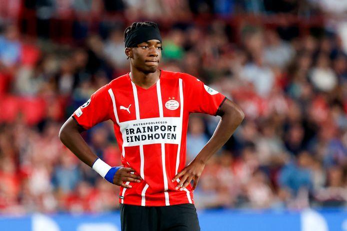 Noni Madueke in het shirt van PSV.