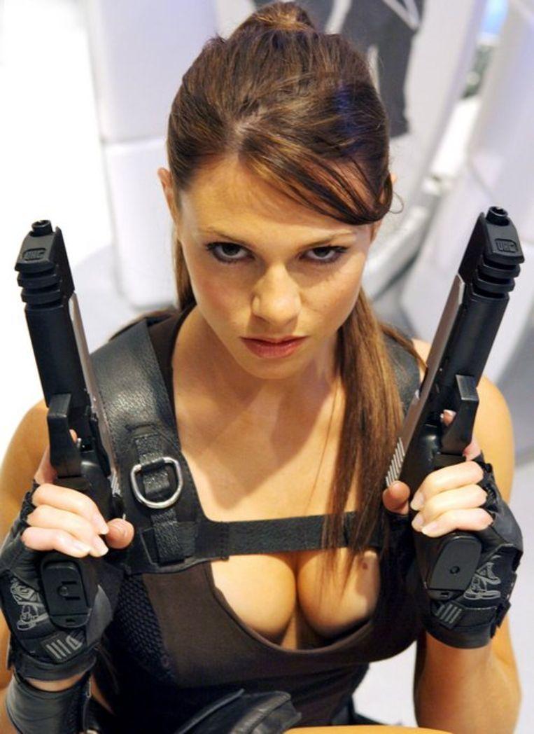 Gamesbedrijf Eidos presenteert de 23-jarige Alison Carroll, het nieuwe gezicht van 'Lara Croft' op Games Convention (GC). EPA/Waltraud Grubitzsch Beeld