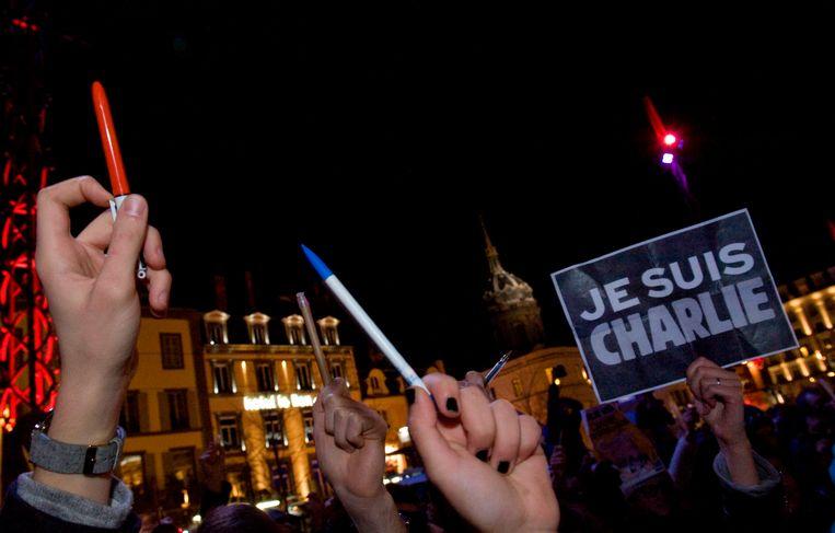 Na de aanslag op de redactie van het satirisch blad Charlie Hebdo,  7 januari vijf jaar geleden, gingen duizenden mensen in West-Europa de straat op.   Beeld AFP