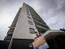 Bewoners moeten opnieuw flat uit voor nachtelijke brand in Apeldoorn: 'De buurvrouw van tachtig moest 14 trappen af'