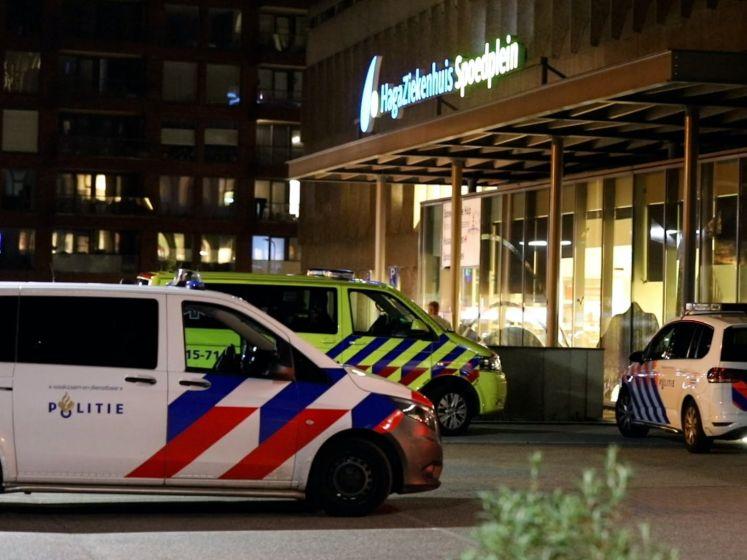 Bebloede man loopt zelf ziekenhuis binnen na steekpartij