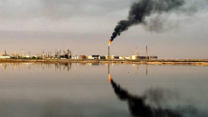 Geruzie binnen OPEC+, olieprijzen schieten naar hoogste niveau in jaren