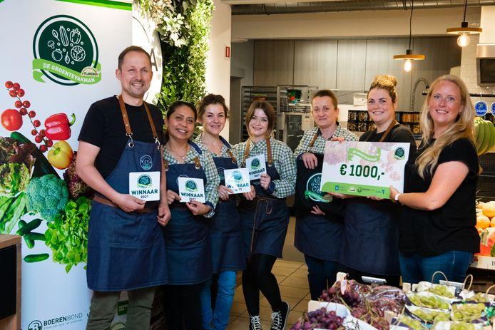 De medewerkers van Vita Veggie uit Herenthout ontvingen de Cheque van 1.000 euro