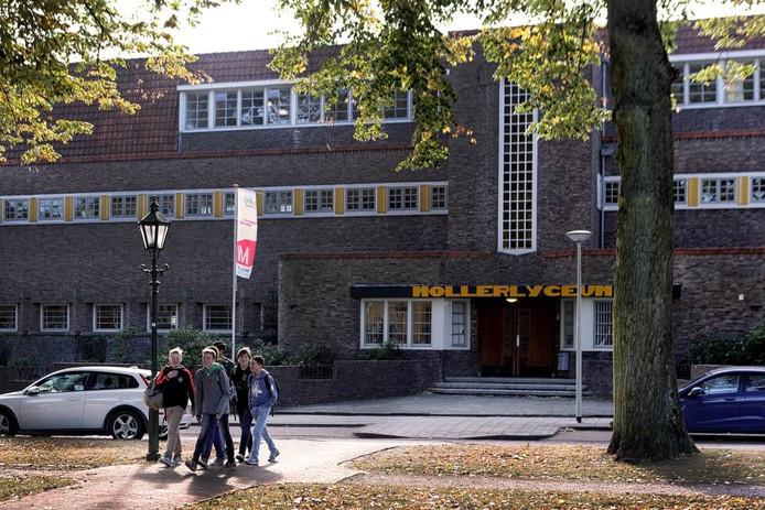 Het Mollerlyceum in Bergen op Zoom bestaat dit jaar honderd jaar en wil de naam hoog houden. foto chris van Klinken/pix4profs