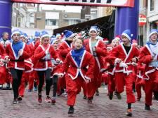 Hardlopen door Gorinchem in je kerstmannenpak: 'Santa Run is feelgood-evenement van het jaar'