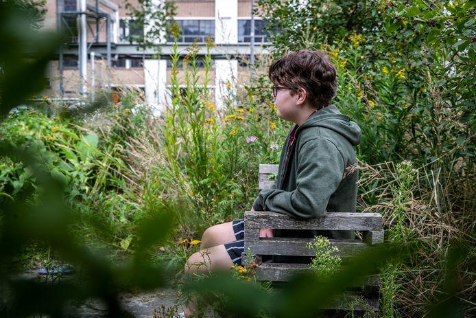 Simon van Nunen uit Valkenswaard is non-binair, de tiener voelt zich noch man, noch vrouw.