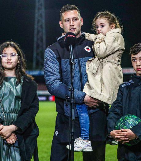 Oud-Feyenoorder en mister Excelsior Luigi Bruins kan in afscheidsduel zijn boezemvriend niet helpen