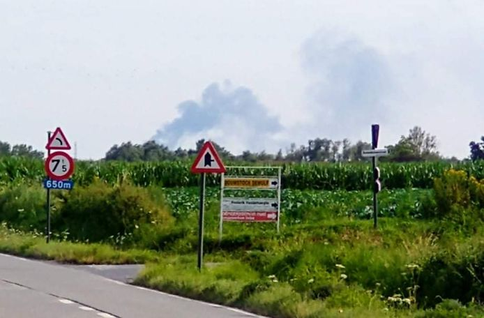 De brand was tot kilometers ver bij ons te zien, hier een beeld vanuit Roeselare