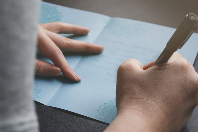 Foto ter illustratie. Ceo Sheldon Yellen van Belfor Holdings schrijft 9200 verjaardagskaarten per jaar, met de hand.