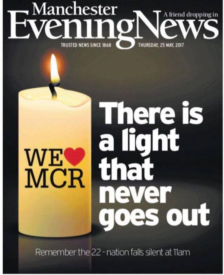 Na de aanslag van 22 mei werd de Smiths-song 'There Is a Light That Never Goes Out' het lied van de troost. Beeld RV