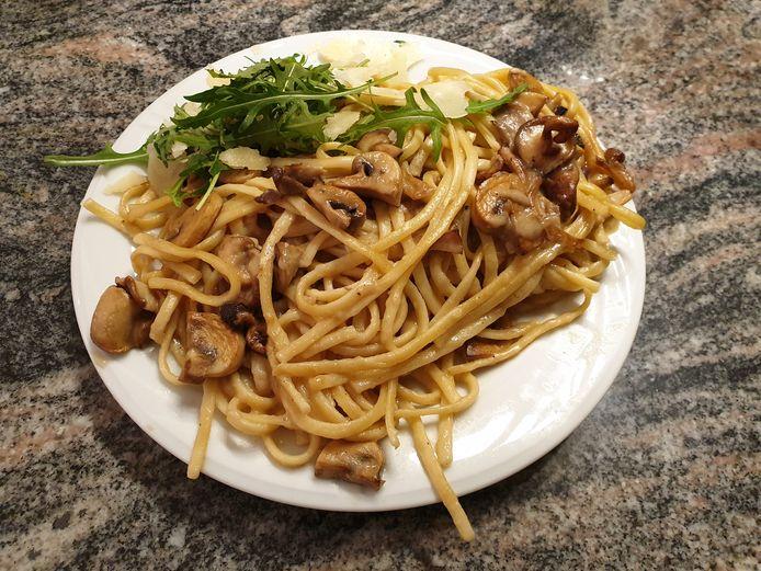 Pasta funghi als hoofdgerecht.