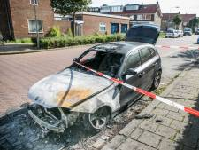 Auto zwaar beschadigd door brand in Arnhem-Zuid