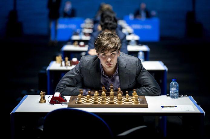 Jorden van Foreest is de eerste Nederlander sinds 1985 die het Tata Steel-schaaktoernooi wint. Hij neemt de eretitel over van Jan Timman.