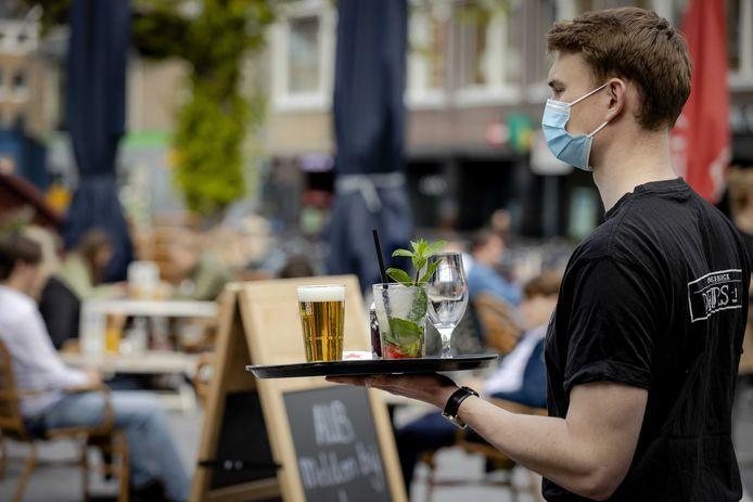 Versoepelingen leiden tot veel uitzendwerk in de regio Utrecht, waaronder in de horeca.