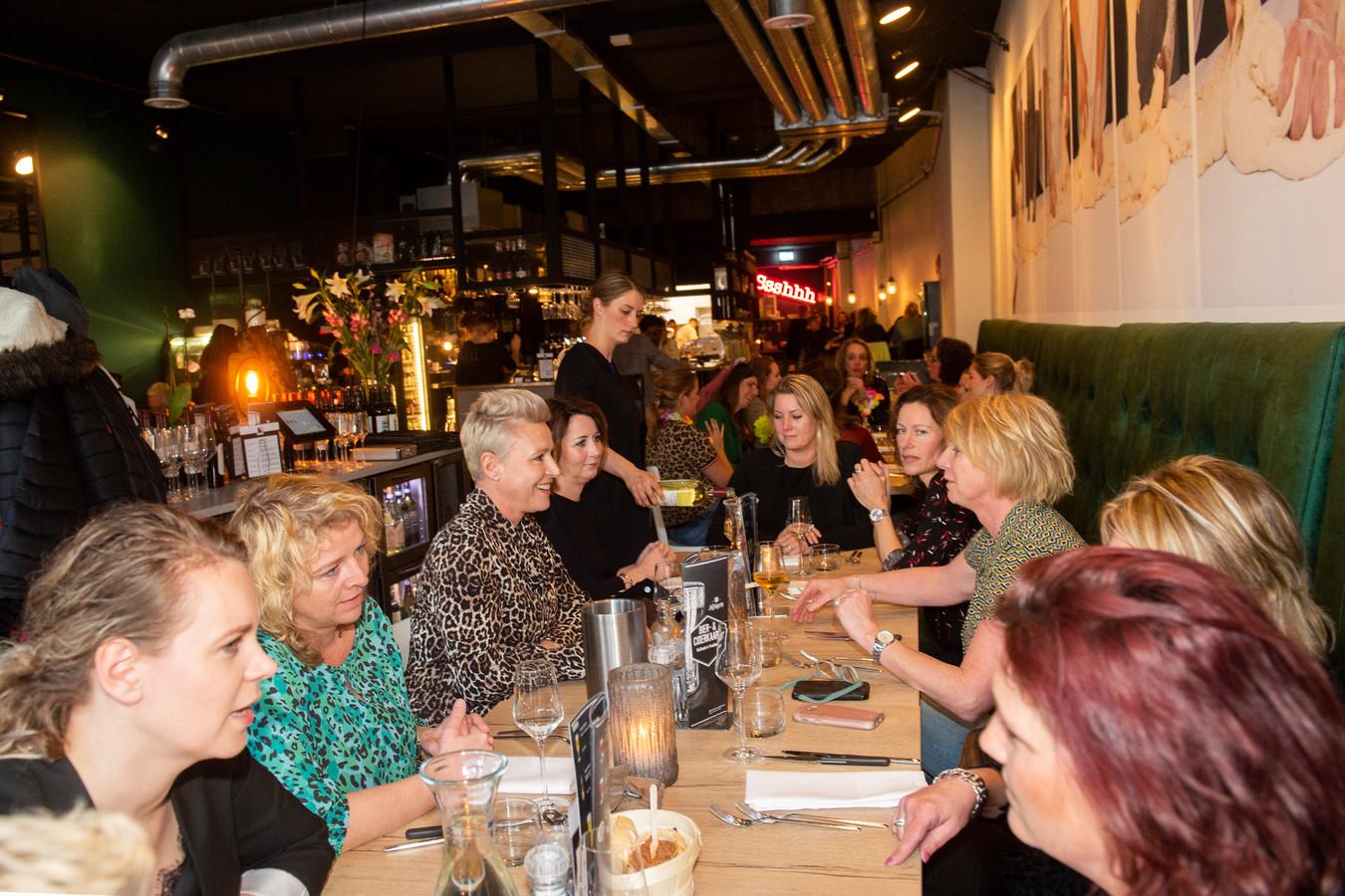 Over de Tong at bij Raffaele's Foodbar in Deventer.