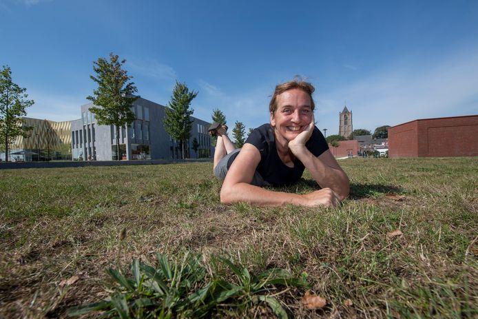 Gera van der Leun wil een vlindertuin op het nu dodelijk saaie dak van de parkeergarage
