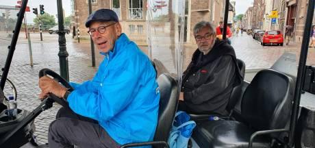Kampen neemt toerist mee door de stad in Van Rossem-weekend