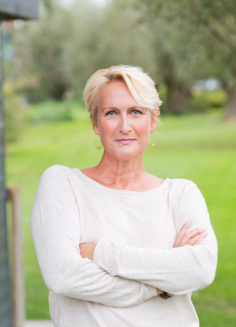Karin Bosman kreeg op vakantie appjes van haar baas. Beeld
