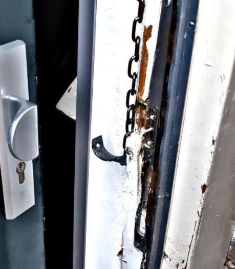 Telefoons in beslag nemen heeft niet geholpen; agenten houden 112-beller aan in Arnhem