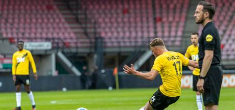 Magistraal doelpunt van Van Hooijdonk maakt duel met NEC de moeite waard
